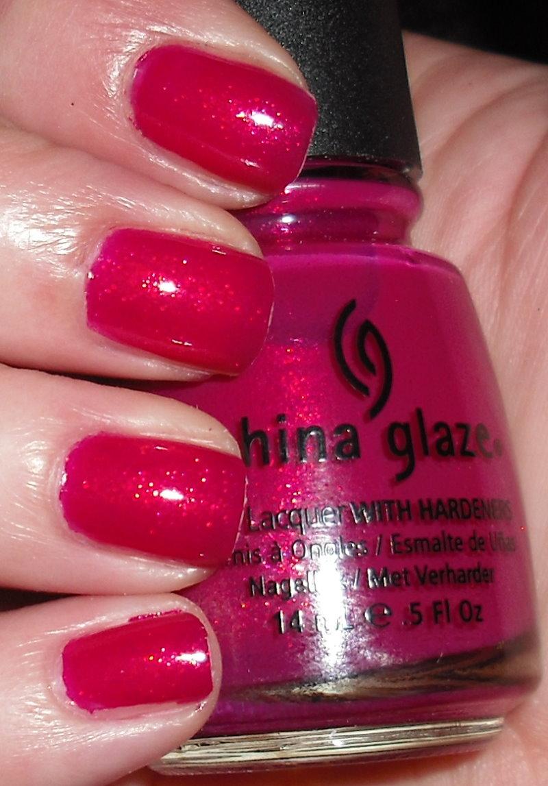 China Glaze Presenta Crakle Glaze: Imperfectly Painted: Pink Wednesday--China Glaze Ahoy