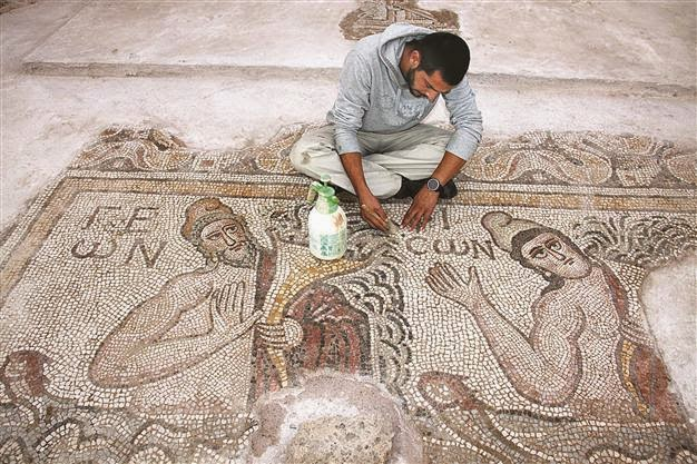 Near East: Hadrianopolis mosaics restoration nears completion