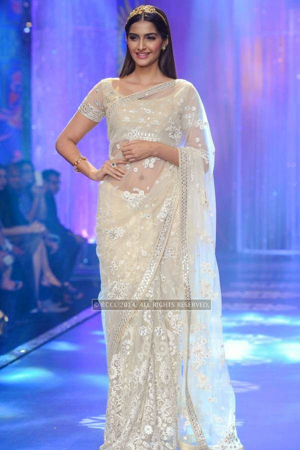 Bollywood actress Sonam Kapoor walks the ramp for the finale of India International Jewellery Week (IIJW), 2014, held at Grand Hyatt, in Mumbai.