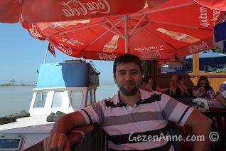 Sakarya, Karasu, Yenimahalle'de nehir kenarındaki Ahmet Ali'nin Yeri restoranı