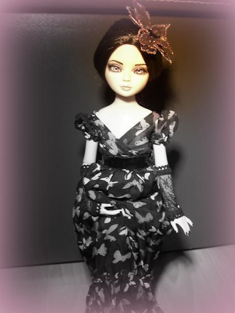 La sorcière de Sandra San a enfin trouvé sa tenue et sa coiffure (Woefully Bewitching) 018