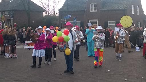 Carnavalsoptocht 2014 in Overloon foto Arno Wouters  (66).jpg