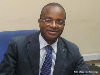 Maker Muangu, Ministre de l'EPSP le 21/2/2013 au studio de Radio Okapi à Kinshasa. Photo John Bompengo