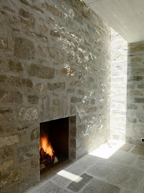 11 Самые красивые дома мира | Фото интерьера каменного дома в Швейцарии