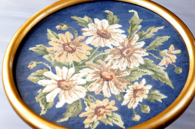 Cross stitch flower picture