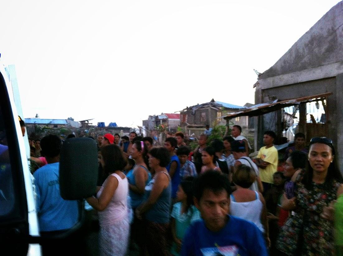 https://lh5.googleusercontent.com/-Zd0TBZCwB6E/UtjqxyIFQLI/AAAAAAAADOA/W6ToGN8J-_c/w1101-h822-no/san-jose-tacloban-relief-007.jpg