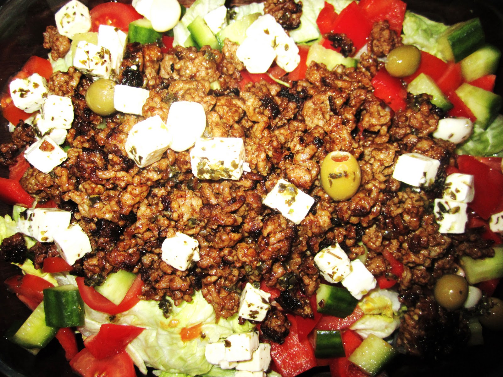 Jauheliha Salaatti
