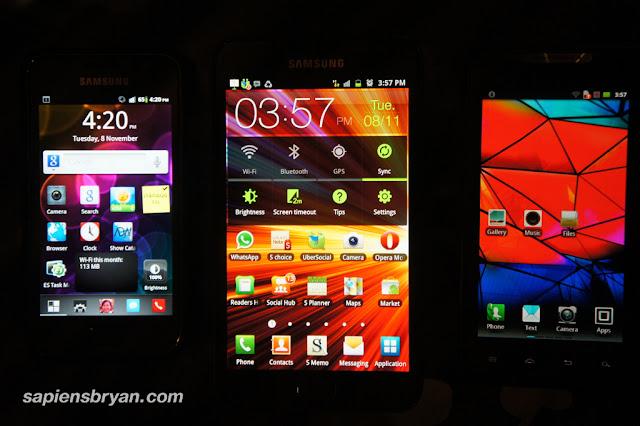 Motorola RAZR - Size Comparison