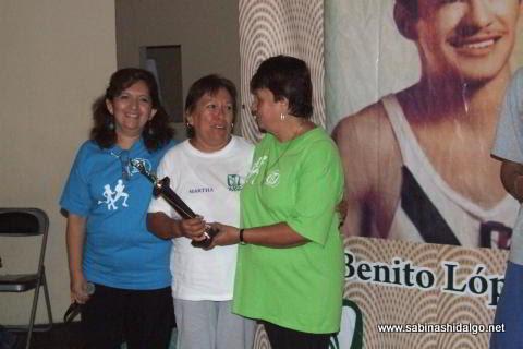 Martha Alicia Salas García ganó en 50-59 años femenil
