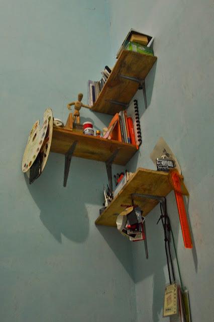 w mieszkaniu Ceby, studenta sztuki