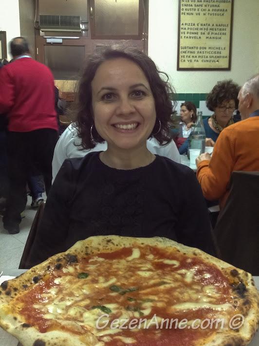 Napoli'deki ünlü pizzacı Da Michele'de