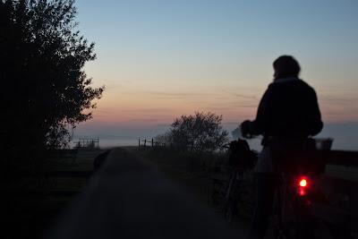 mit dem Fahrrad an der Beek
