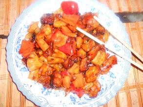 Китайская кухня: мясо с ананасом в кисло-сладком соусе