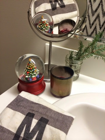 Bathroom-Christmas-Decorations | lamb&lobster