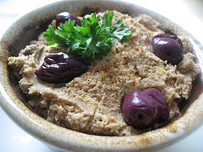 Hummus with Sun-dried Tomatoes, Goat Cheese and Olives | Lisa's ...
