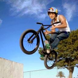Edgar Bueno Photo 22