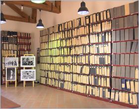 Sizilien - Corleone - Die Ordner des Maxi-Prozesses im Antimafia-Museum.