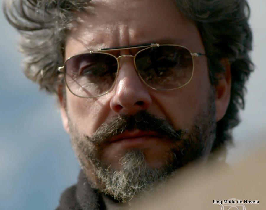 moda da novela Império - óculos da José Alfredo dia 25 de julho