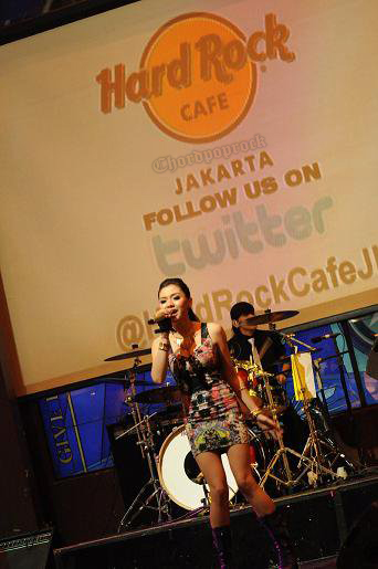 FOTO VICKY SHU LAUNCHING