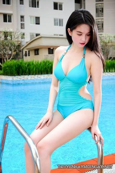 Bộ ảnh bikini mới nhất của Ngọc Trinh