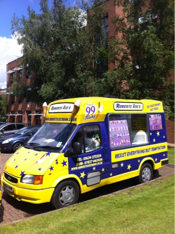 roberts ice cream van hire and quality ice creams ice. Black Bedroom Furniture Sets. Home Design Ideas