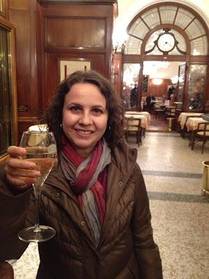 proseccolarımızı yudumlarken, Gilli Cafe Floransa