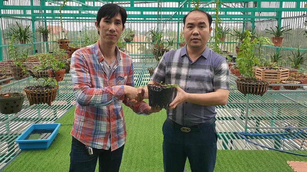 """Chủ vườn lan Lê Bá Chung: """"sự độc đáo và nét riêng biệt của hoa lan khiến tôi si mê"""" - Ảnh 2"""