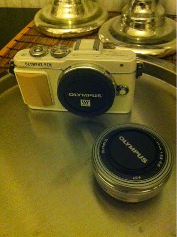 olympus, kamera, camera, e-pl7, olympuksen minijärkkäri, järjestelmäkamera, beige valkoinen, olympus järjestelmäkamera, olympus e pl-7 kamera,