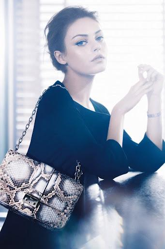 Мила Кунис – новое лицо сумок Miss Dior