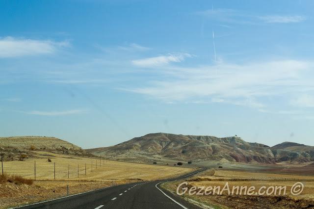 Nallıhan Beypazarı arasındaki çorak dağlar