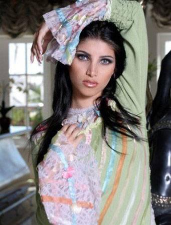 Persian Model Miriam Shenasi nice dress