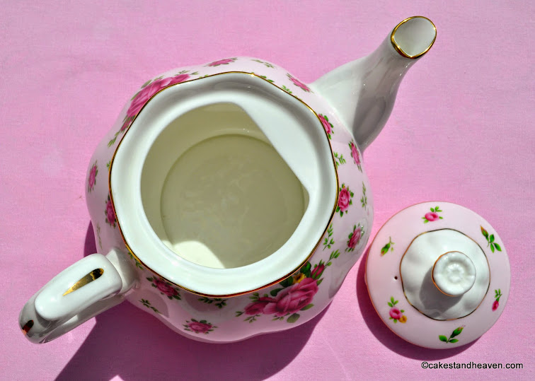 New Country Roses Pink and White China 8 Cup Teapot