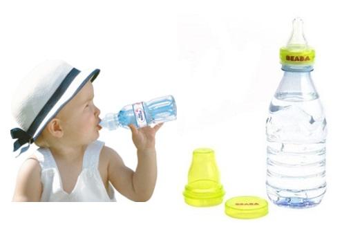 adaptateur-tetine-bebe-bouteille-eau-beaba-badabulle