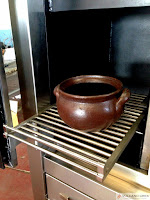 Parrilla con horno de brasas. Charcoal grill with charcoal oven.  www.vulcanogres.com