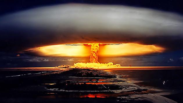 Americká vláda očekává nukleární úder na USA, nakupuje miliony podivných plastových rakví!