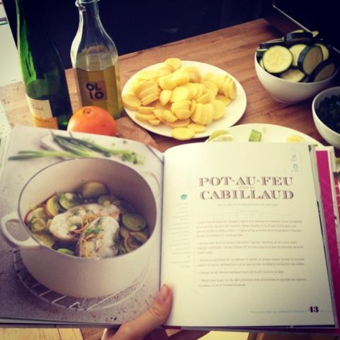 white creuset pot - creuset recipe book - menke troskinys su darzovemis