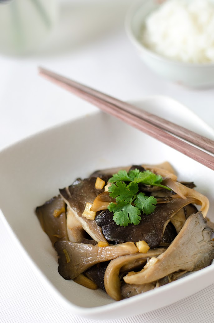 Easy oyster mushroom stir fry omnivores cookbook forumfinder