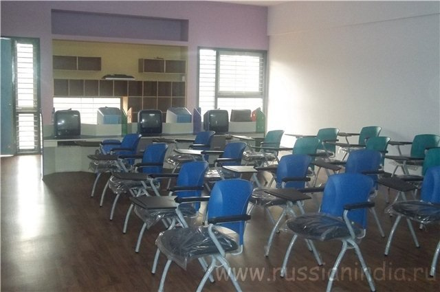 Индийская средняя школа