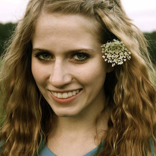 Rachel Landrum Photo 15