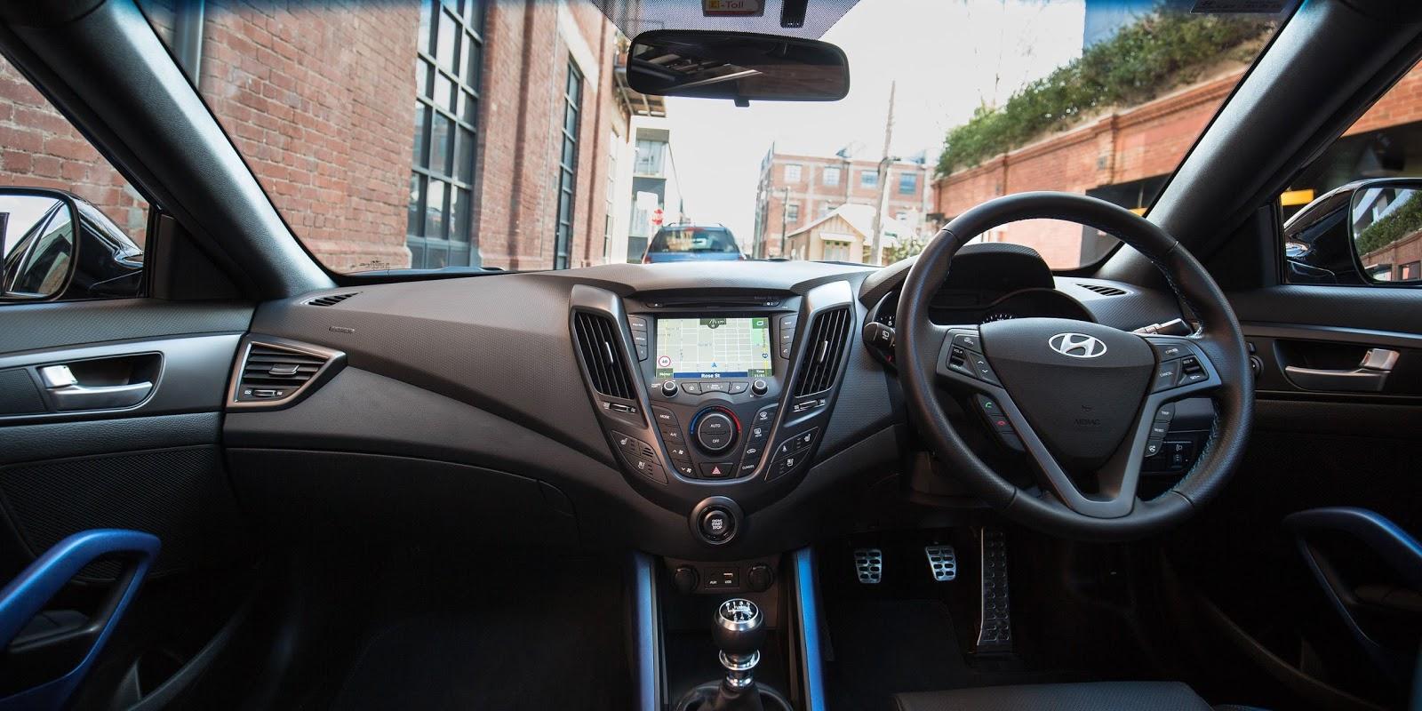Khá nhiều tính năng an toàn, thông minh được trang bị trên chiếc xe này
