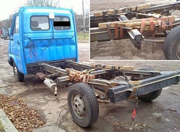 Arreglo en la suspensión trasera de un camión
