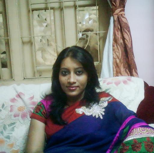 Mohua Das Photo 17