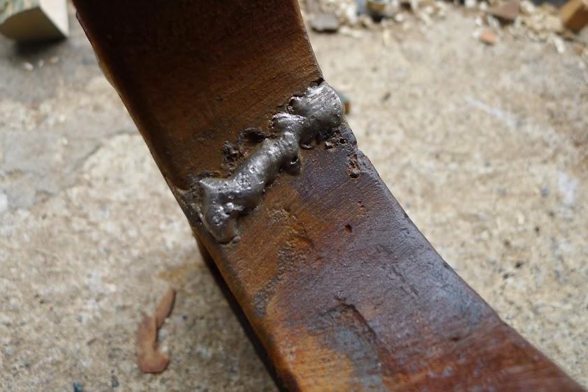 Ancienne scie à ruban Jacquin... La restauration est finie P1060349