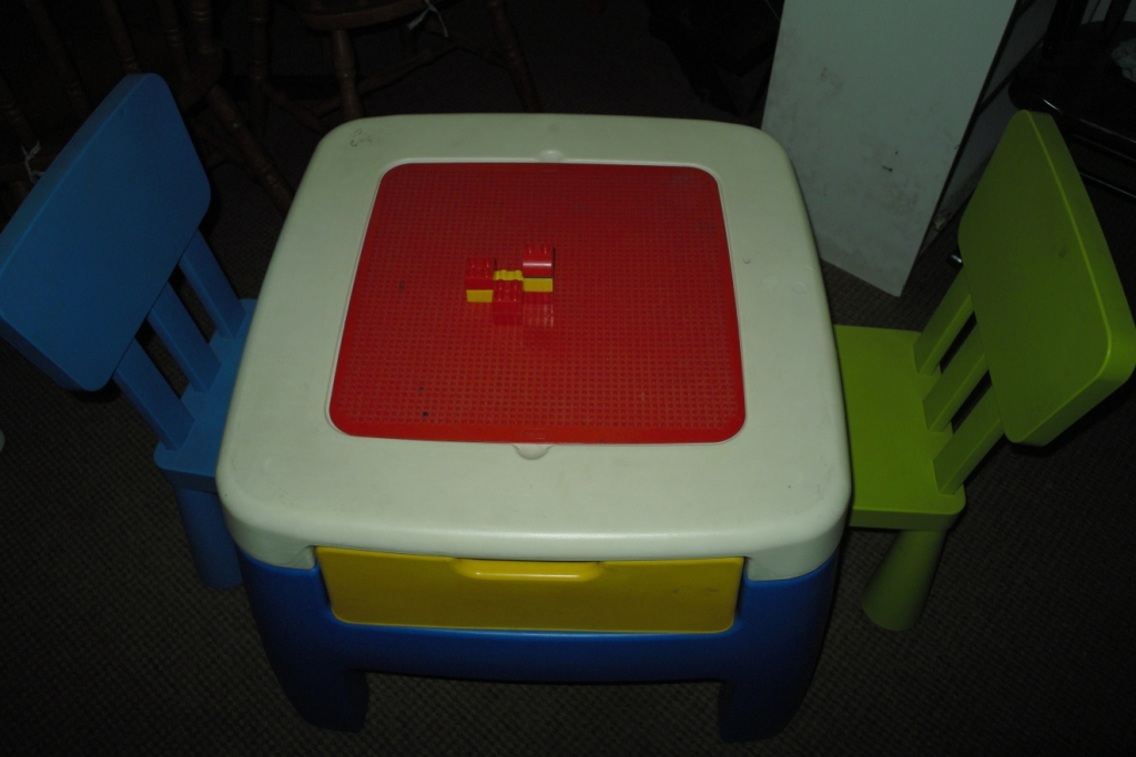 Ain S Preloved Items Ain S Preloved Little Tikes Table