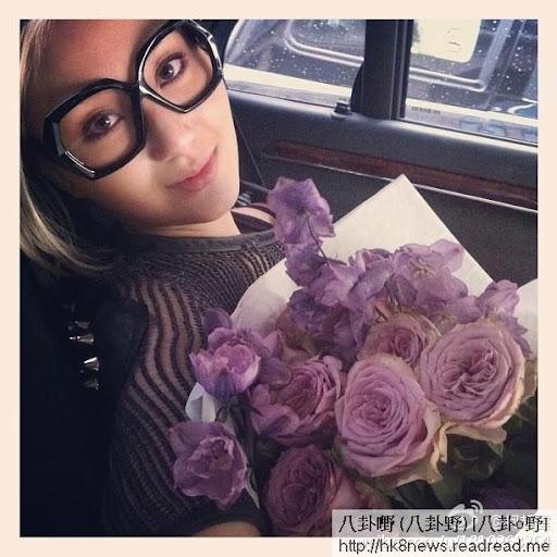 陳山聰不時送小禮送花再加送神秘驚喜逗女友開心,加曬分。