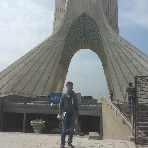 Nezam Fadavi