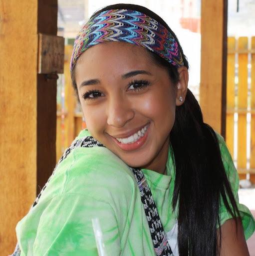 Cassandra Mendoza Photo 15