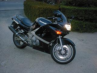ZZR400