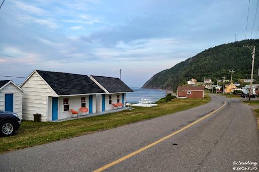 o alta noapte - un nou motel - de data aceasta unul rustic chiar pe malul apei