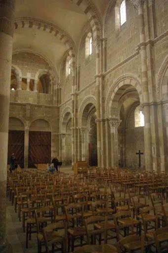 Vézelay (basilique Sainte-Marie-Madeleine, la nef)